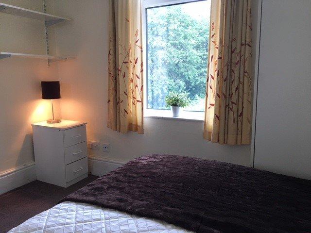 61262_515232_Bedroom