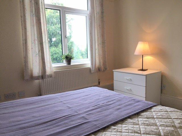 61262_515233_Bedroom